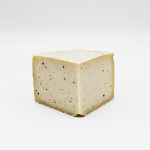 Queso de oveja trufado – Semicurado